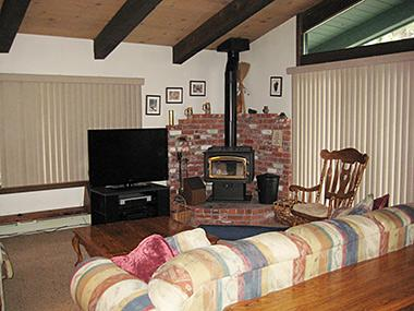 Living Room with Flat Screen TV - Chateau Sans Nom - CSN11 - Mammoth Lakes - rentals