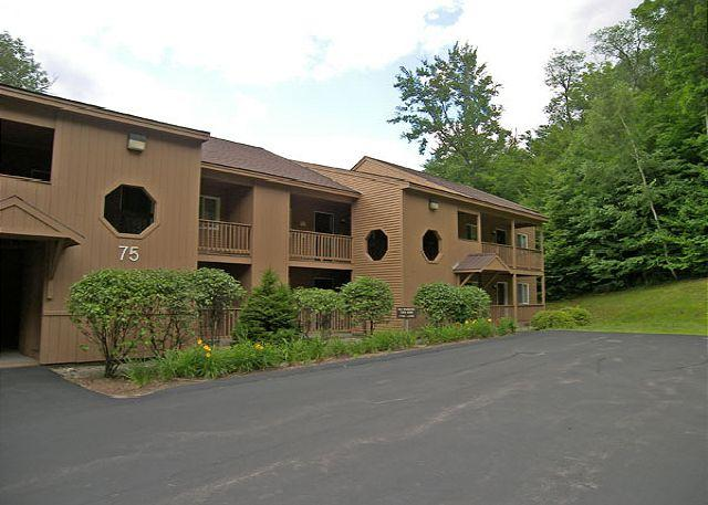 Outside - Mansion Hill 125P - Managed by Loon Reservation Service - Lincoln - rentals