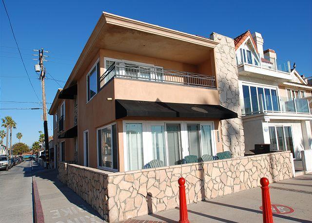 Enjoy the Boardwalk! 3 Bedroom Oceanfront Single Family Home! (68217) - Image 1 - Newport Beach - rentals
