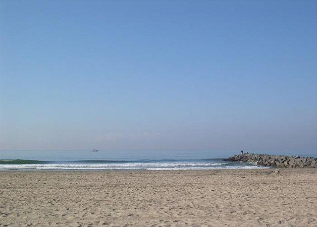2 Bedroom Oceanfront Single Family Home! Excellent Views & Patio! (68169) - Image 1 - Newport Beach - rentals