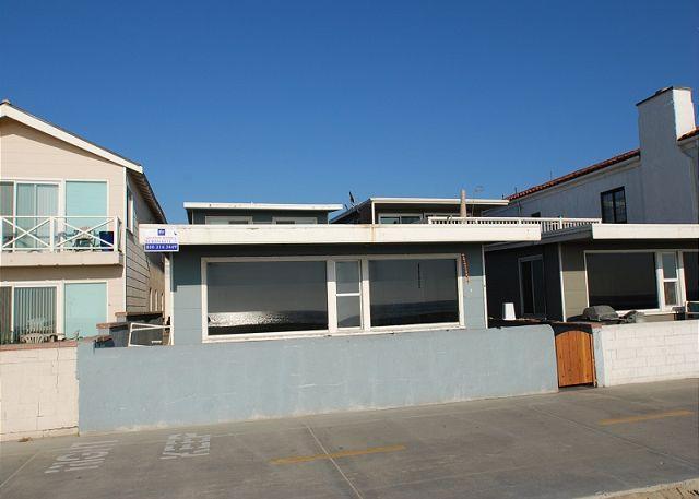 4 Bedroom Beach Rental! Located on Boardwalk! (68147) - Image 1 - Newport Beach - rentals