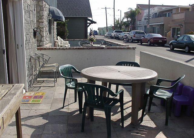 Patio - Great Lower Unit of a Duplex, Close to the Beach! (68186) - Newport Beach - rentals