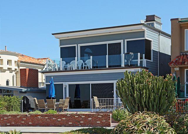 Beautiful Oceanfront Upper Duplex! Come & Relax at the Beach! (68300) - Image 1 - Balboa - rentals