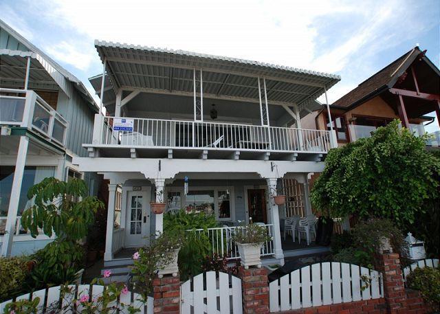 Updated 2 Bedroom Bayfront Home! Walk to the Balboa Pier! (68158) - Image 1 - Newport Beach - rentals