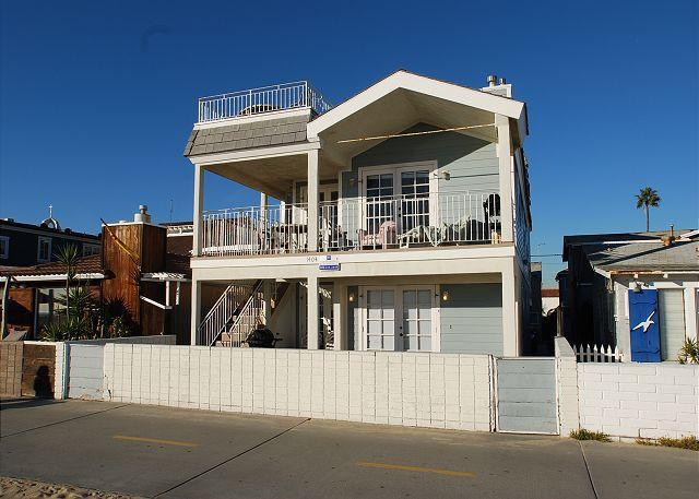 4 Bedroom Oceanfront Upper level unit! Rooftop Deck & Ocean Views! (68167) - Image 1 - Newport Beach - rentals