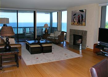 2 Bedroom, 2 Bathroom Vacation Rental in Solana Beach - (CHAT2) - Image 1 - Solana Beach - rentals