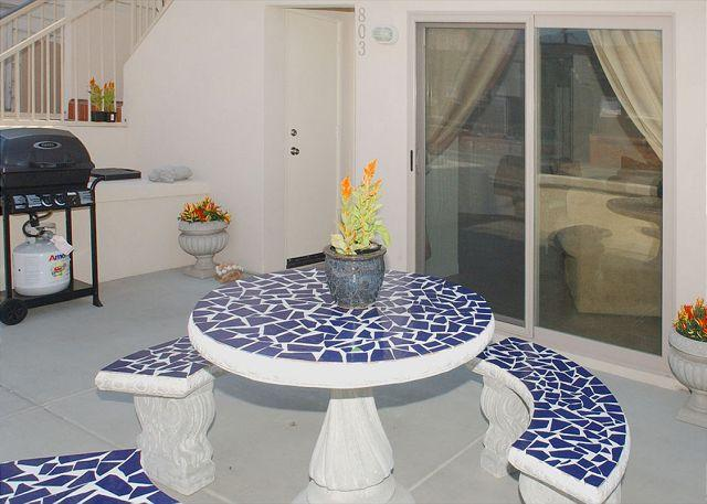 803 El Carmel Patio - Deluxe  2BD/2.5BA townhome- fireplace, private patio, gas BBQ, w/d - Pacific Beach - rentals