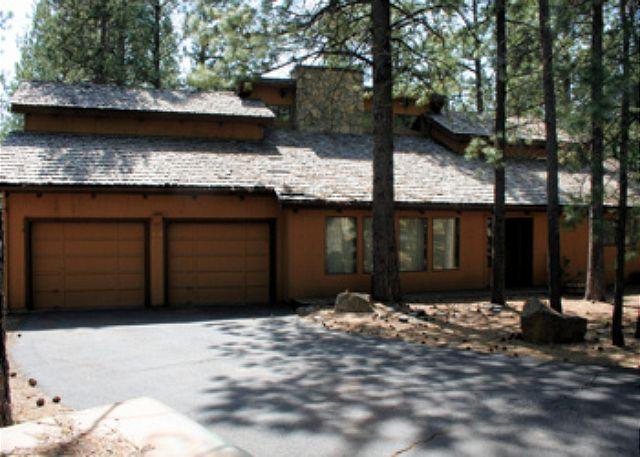 Quart Mt Lane 13 - Family Fun Sunriver Home with Video Games and Hot Tub Near Fort Rock Park - Sunriver - rentals