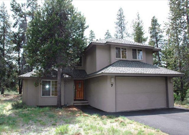 Front View - Family Sunriver Home with Foosball  and A/C Near North Store - Sunriver - rentals