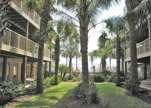 Courtyard - Sandpiper 7C ~ Exquisite Beachview Condo - Gulf Shores - rentals