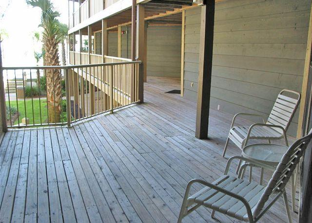 Front Deck Area - Sandpiper 10A ~ Lovely Beachside Hideaway - Gulf Shores - rentals