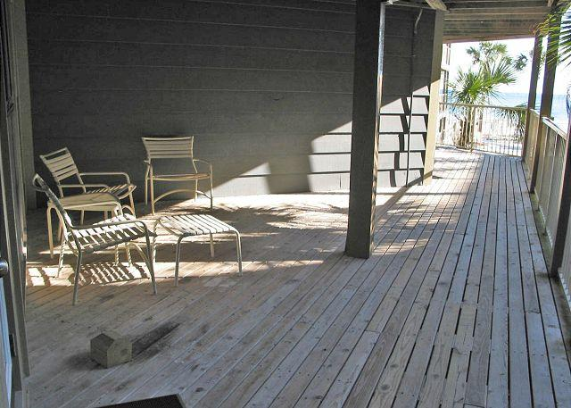 Front Deck Area - Sandpiper 4A ~ Comfy Condo with Side View of the Beach - Gulf Shores - rentals