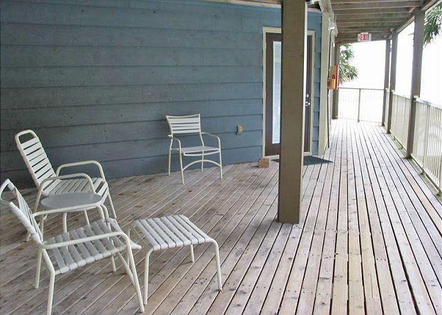 Front Deck Area - Sandpiper 7A ~ Fun, Stylish Beachview Condo - Gulf Shores - rentals