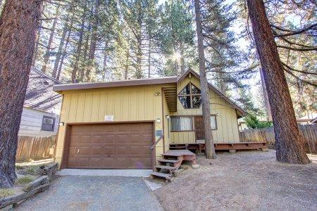 Pet friendly home w/ private spa, 8min to attractions - CYH0622 - Image 1 - South Lake Tahoe - rentals