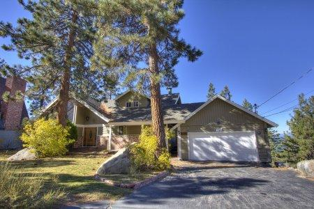 Sec away from Heavenly Ski w/ breathtaking views- HCH1268 - Image 1 - South Lake Tahoe - rentals