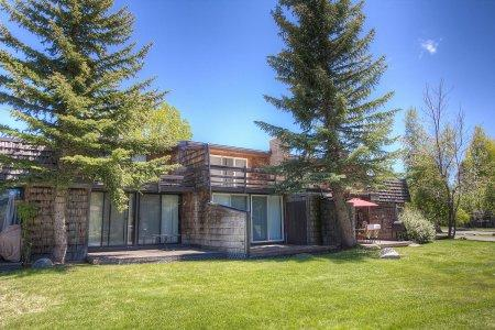 Great location at an affordable price in Tahoe - TKC0811 - Image 1 - South Lake Tahoe - rentals