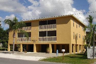 Seacrest II Condos 3 - Image 1 - Holmes Beach - rentals