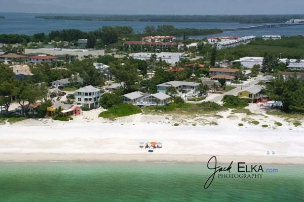 Anna Maria Beach Place, Unit 5 - Image 1 - Holmes Beach - rentals