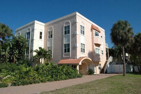 Villa de la Playa - Image 1 - Holmes Beach - rentals