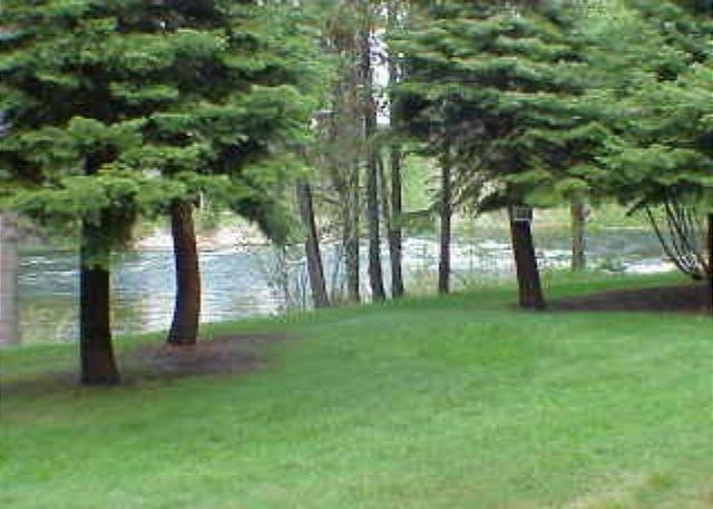View - Lodge style condo on the Payette River. Walk to the lake. - McCall - rentals
