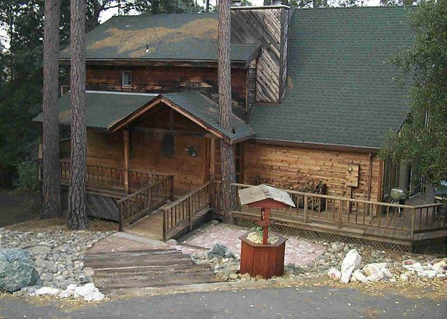 Exterior Front View of House - Our Bear Haven-Dog Friendly-Large Chalet style home on large lot. - Groveland - rentals