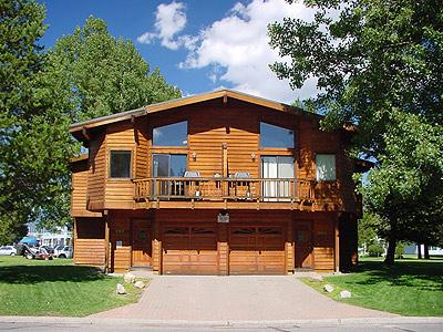 Exterior - 587-589 Danube Dr - South Lake Tahoe - rentals