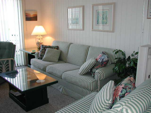 sb8dliving1 - Starboard by the Sea 266-8D - Sawyer - Ocean Isle Beach - rentals