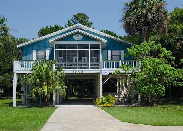 Homesley - Second Row, St. Helena Sound, Pet Friendly - Image 1 - Edisto Island - rentals