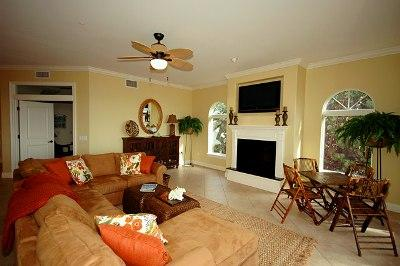 Elegant and Spacious Living Room - La Casa O'Bar - Holmes Beach - rentals