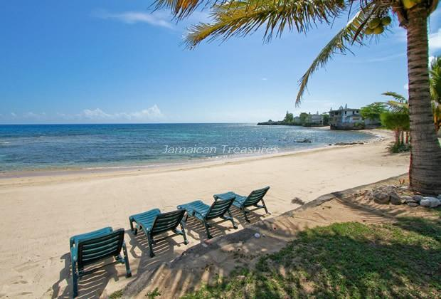 BEACHFRONT! STAFFED! POOL! Spanish Cove - Image 1 - Runaway Bay - rentals