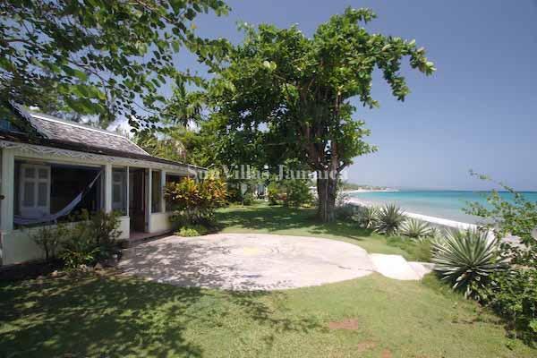 Bahia Cottage - Image 1 - Runaway Bay - rentals