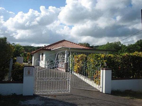 Pineapple Cottage - Image 1 - Silver Sands - rentals