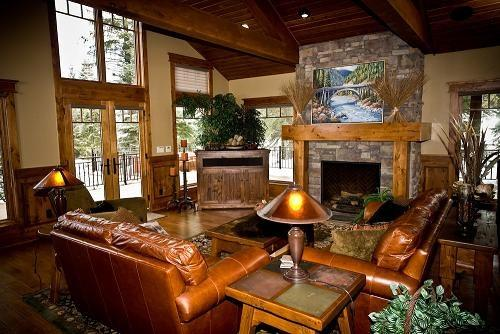 Great Room featuring wrap-around deck - Kings Retreat- 4 Bedroom, 4.5 bath, Sauna, Pool/Game Room, Private Office. Sleeps 14. WIFI. - Tamarack Resort - rentals