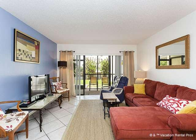 Relax and unwind in our garden view condo - Siesta Dunes 38A, Gulf Side, Large Heated Pool, Wifi - Siesta Key - rentals