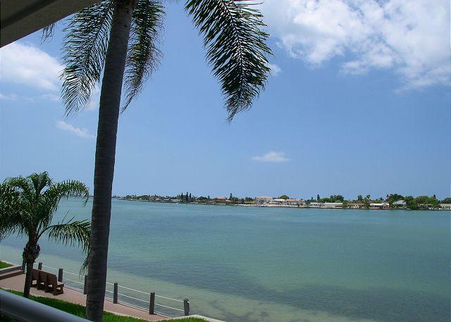 Bahia Vista 14-259 - Fantastic Club Bahia bay view condo at Isla Del Sol - Image 1 - Saint Petersburg - rentals