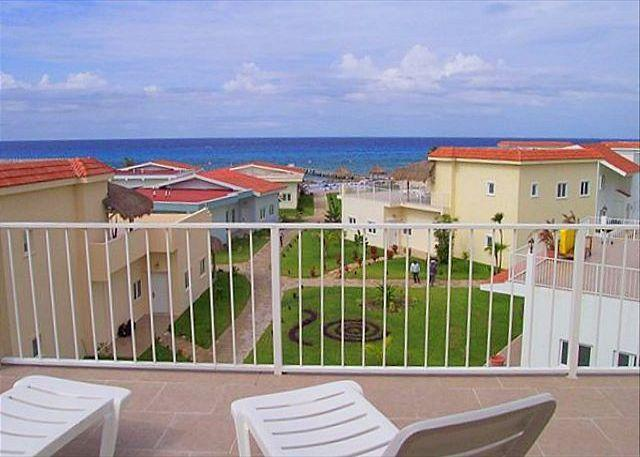3 BR Townhouse at Costa del Sol.  Beachfront Pool, Fast Internet, Near Reefs - Image 1 - Cozumel - rentals