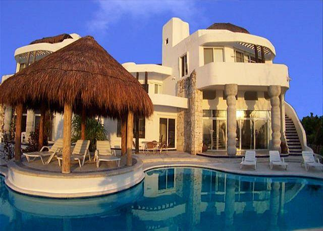Oceanfront 5BR/5.5BA freshwater pool near major dive reefs - Oceanfront Villa with Pool. Cook Service Option. Spectacular Views - Cozumel - rentals