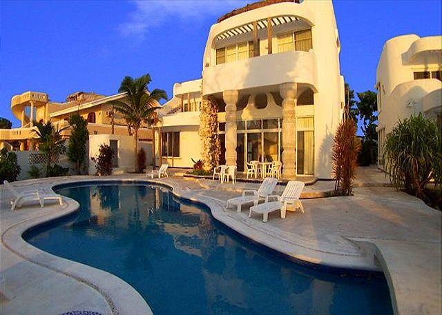 Oceanfront - 6 BR Oceanfront Villa with Pool. Cook Svce Option. Spectacular Views! - Cozumel - rentals