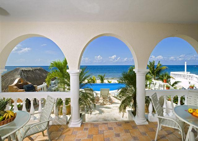Covered Terrace / Outdoor Dining - 6 BR Beachfront Villa on San Francisco  Beach, directly on the  beach !!!!! - Cozumel - rentals