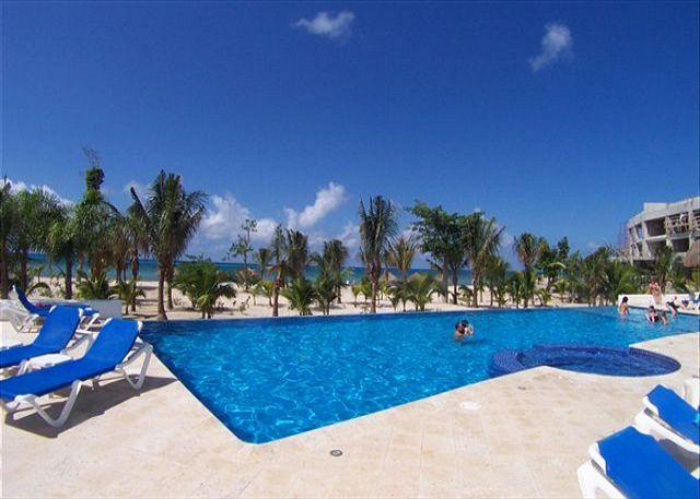 Ocean view unit. Very close to Beach. Great Price! Lovingly furnished - Image 1 - Cozumel - rentals
