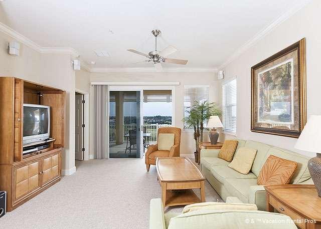 Cinnamon Beach 955 comfortably houses six people. - 955 Cinnamon Beach, 5th Floor, Elevator, 2 pools, wifi, end unit - Palm Coast - rentals