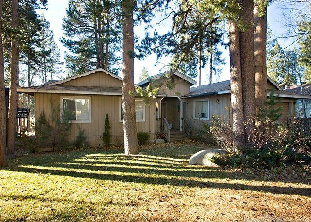 Sunny exterior - Nice ranch style home that backs to the golf course! - South Lake Tahoe - rentals
