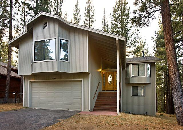 Tahoe, Marshall Trail 4, exterior - Spacious home that backs to the forest! - South Lake Tahoe - rentals