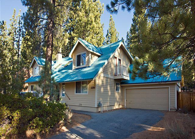 Tahoe, Marshall Trail 6, exterior - Large family home with counrty kitchen and hot tub - South Lake Tahoe - rentals