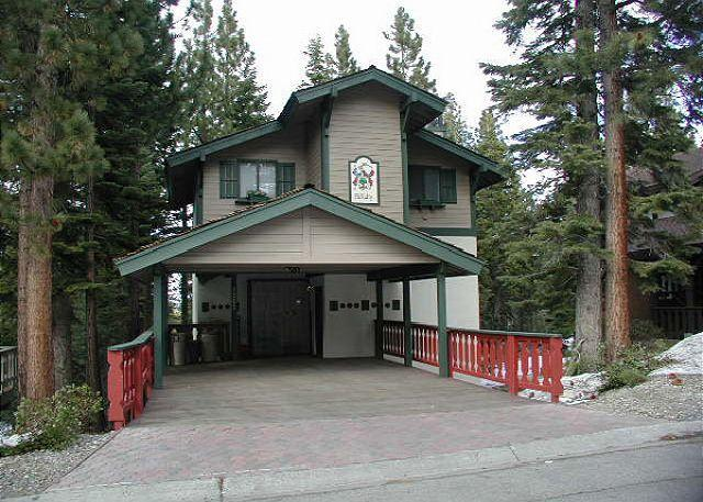 Exterior - Well appointed vacation chalet with filtered lake views - South Lake Tahoe - rentals
