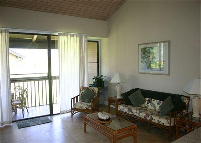Living Room - Red Ginger *** Available for 30 night rentals - please calll - Kahuku - rentals
