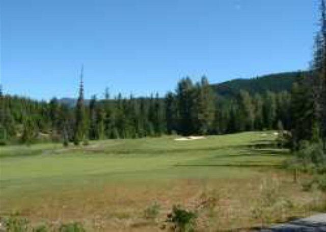 1st Fairway - Luxury 2 bd townhouse on Chateau Whistler Golf Course, free internet, hot tub - Whistler - rentals