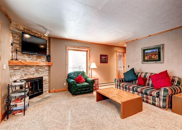 Double Eagle Living Room Breckenridge Ski-in Lodging - Double Eagle A21 Ski-in Condo Breckenridge Colorado Vacation Rental - Breckenridge - rentals