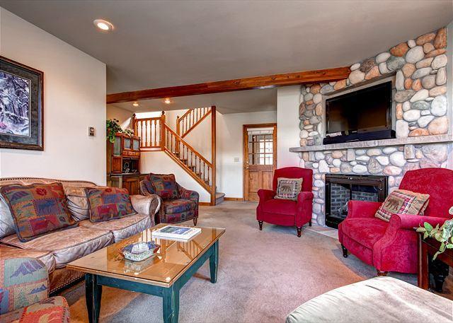 Mountain Comfort Haus Living Room Breckenridge Lodging - Mountain Comfort Haus Hot Tub Downtown Breckenridge House Rental - Breckenridge - rentals