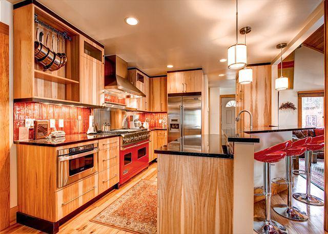 Pine Station House Kitchen Breckenridge Lodging - Pine Station House Hot Tub Breckenridge Colorado House Rentals - Breckenridge - rentals